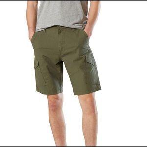 Levi's Cargo Shorts Mens Size 30 US NWT